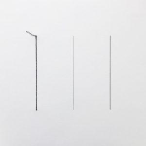 Stèles – 4 lignes, 30 x 30cm, Graphite et couture sur papier 450g, 2016