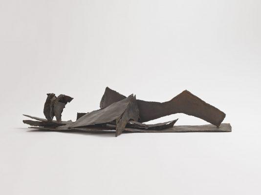 « Cheminement » sculpture en fer, 20 x 115 x 48 cm, 2021.